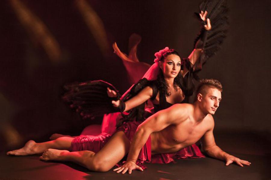 teatri-erotika-moskvi